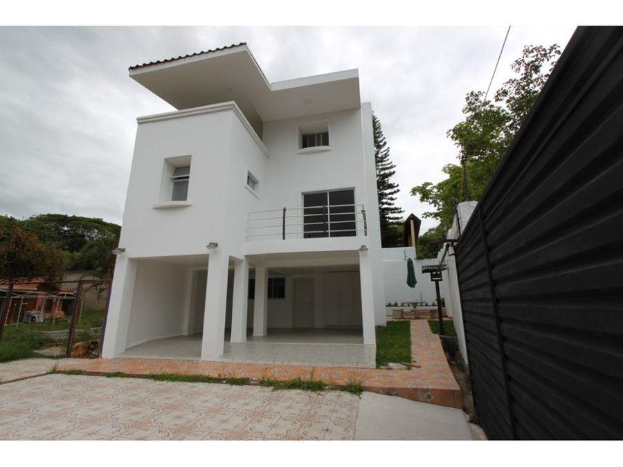 casa moderna en guachipelin norte de 300m2