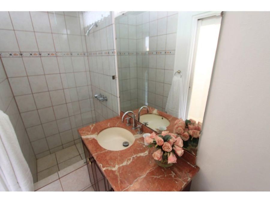 casa en escazu independiente con 2 apartamento2
