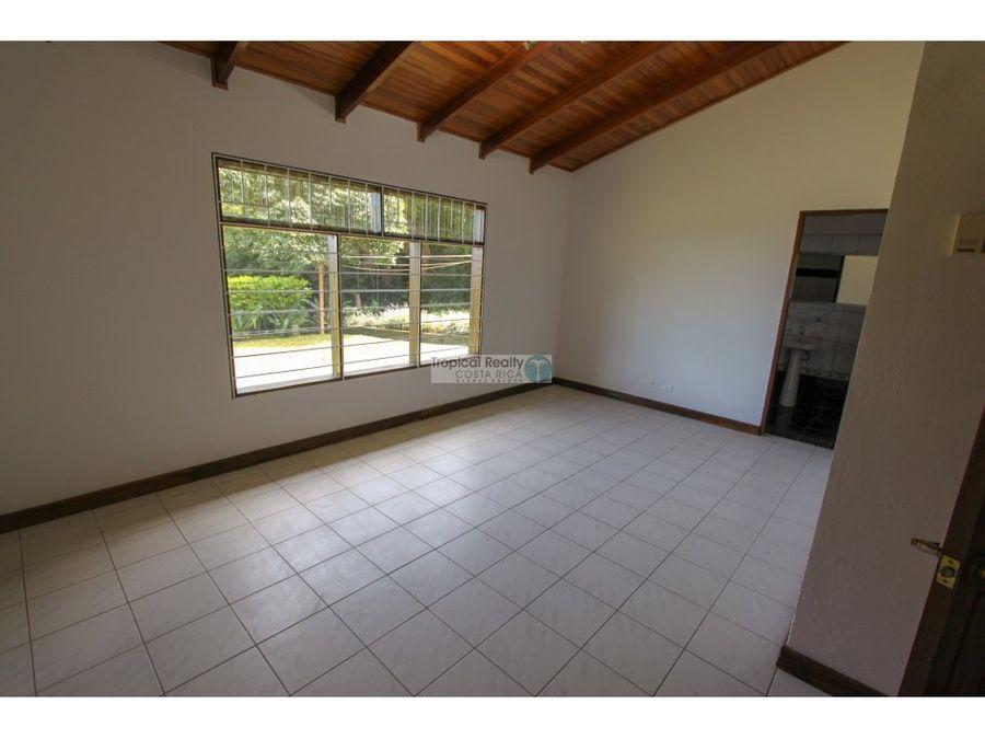 casa en venta o alquiler santa ana piedades 2650m2