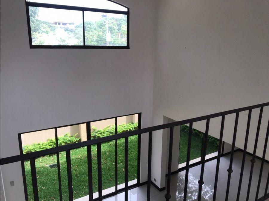 casa en venta escazu guachipelin