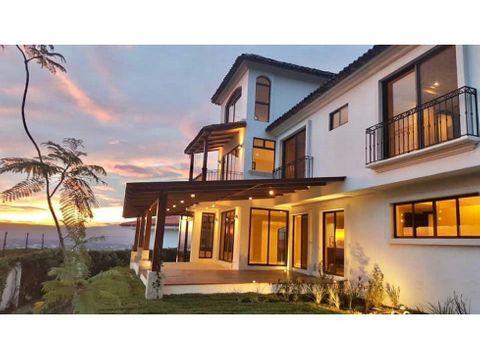 espectacular casa de lujo en condominio santa ana