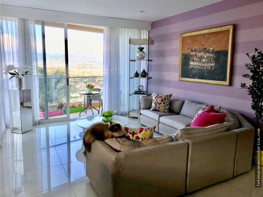 condominio moderno contemporaneo con vistas