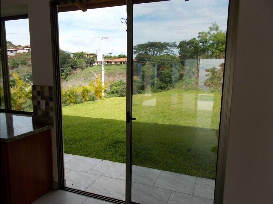 casa en venta nueva atenas con vistas