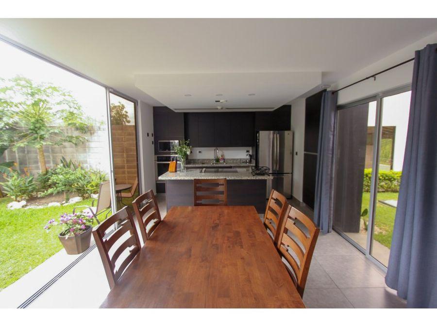 casa moderna para venta en condominio ubicado en la guacima