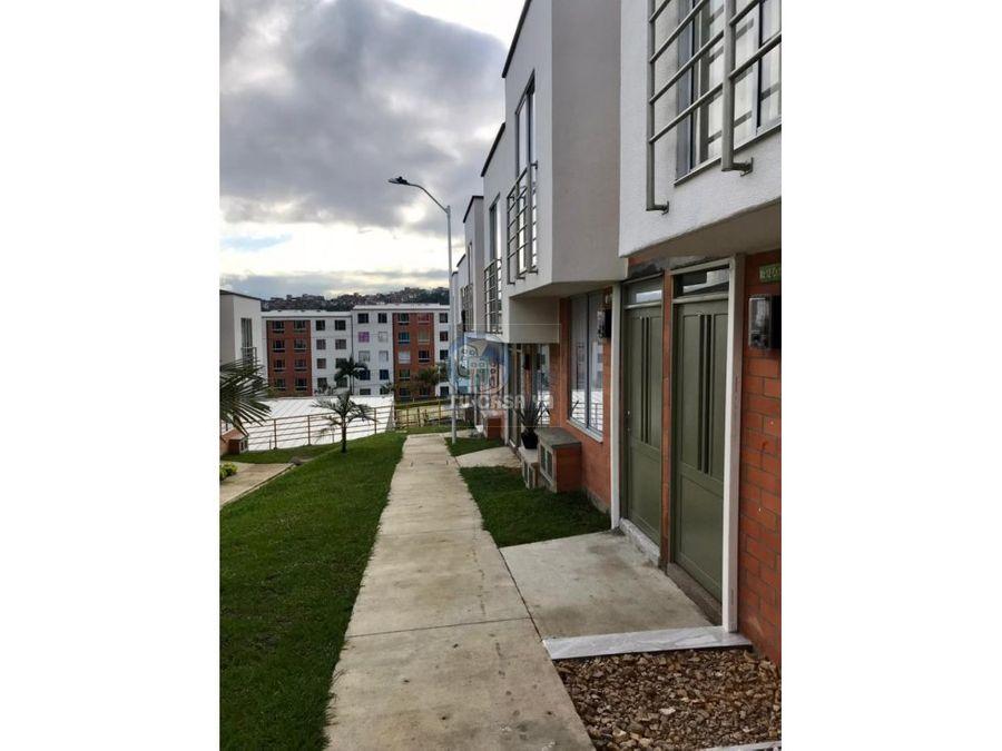 vendo casa duplex en exclusivo sector de los 2500 cuba