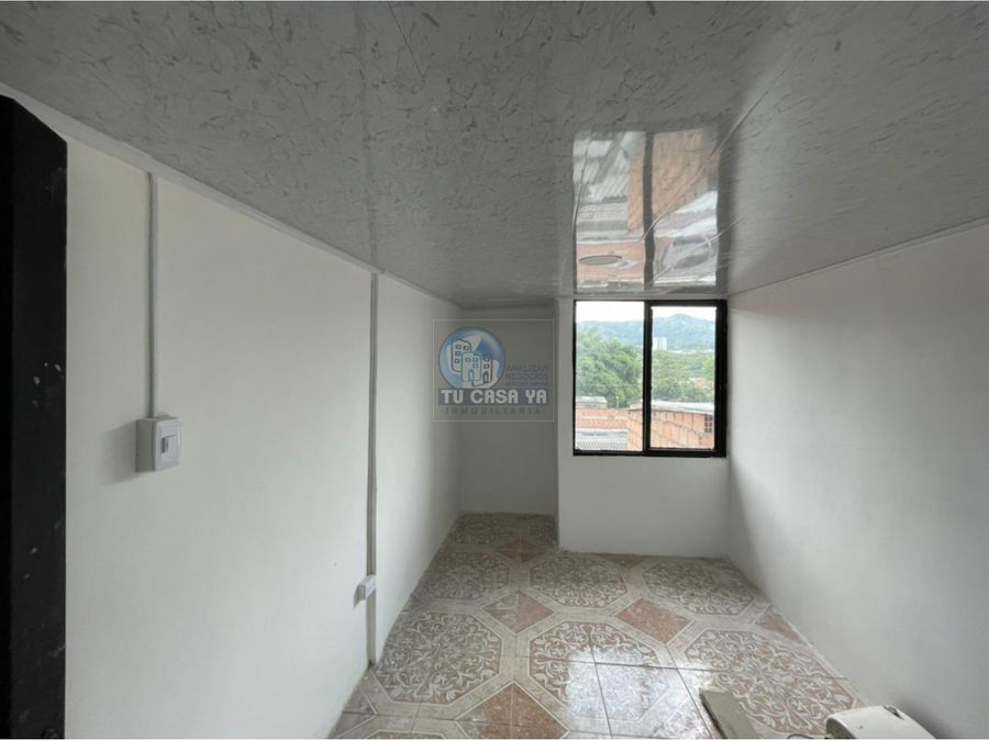 se vende casa de pisos independientes