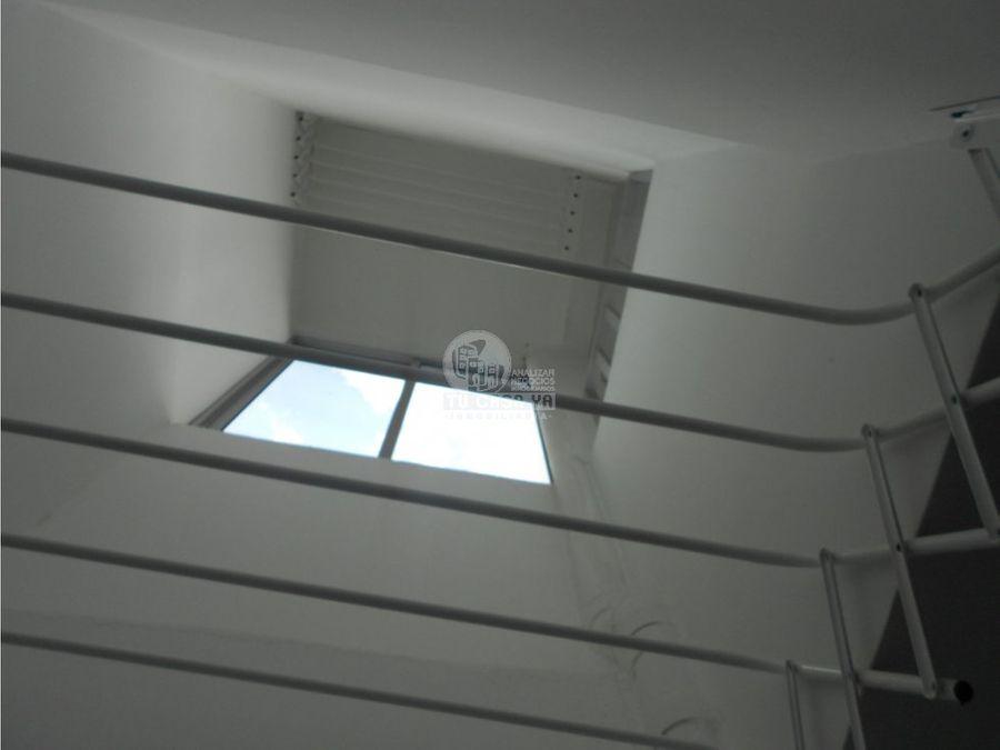 vendo casa de tres niveles independientes