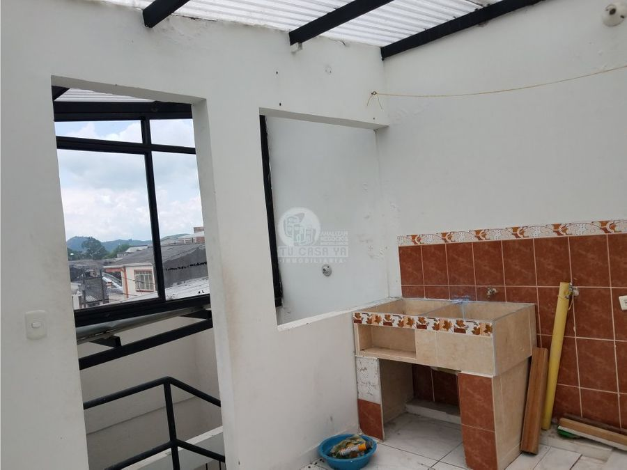 vendo casa de 2 pisos independientes en el jardin
