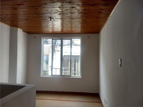 se renta apartamento en poblado 2
