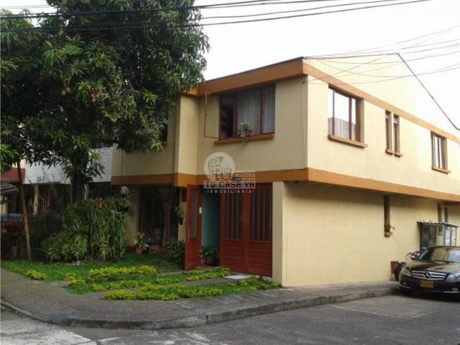 vendo casa en centenario