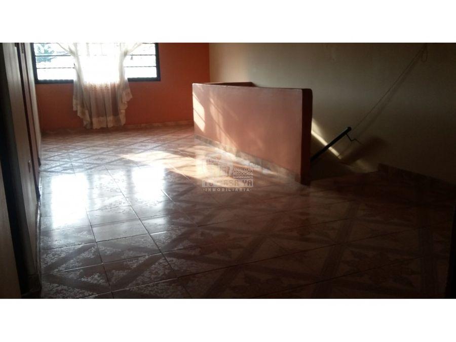 casa dos niveles independientes mejia robledo pereira