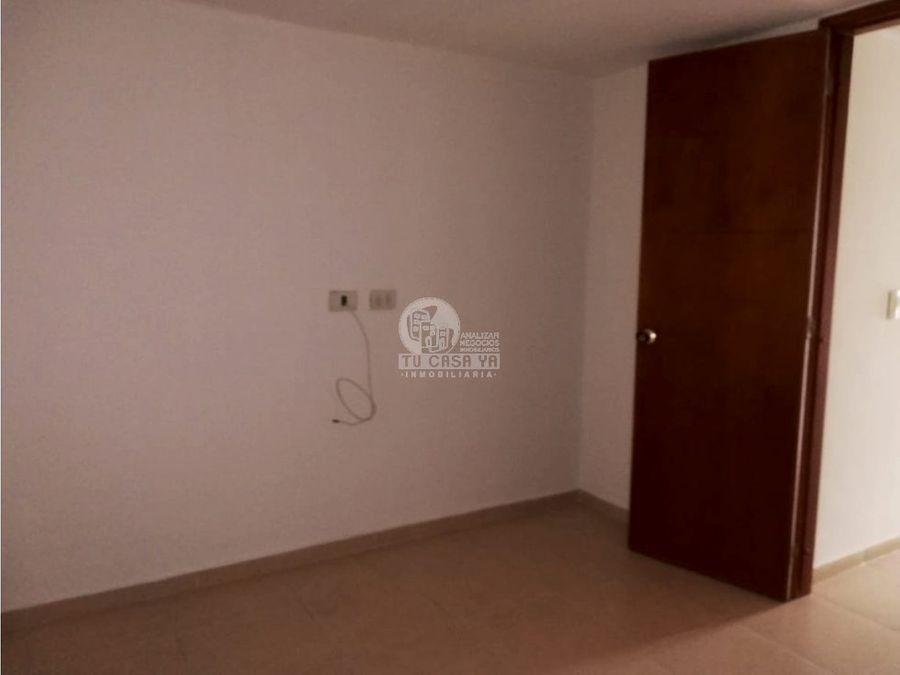 2518413 vendo casa 3 niveles av sur