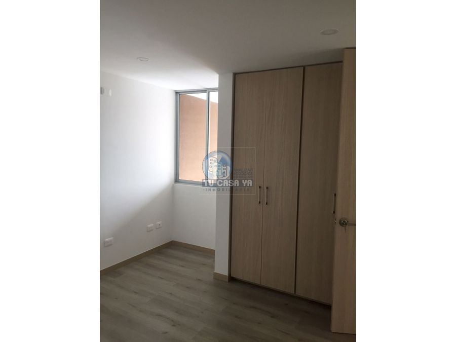 vendo apartamento por la av sur