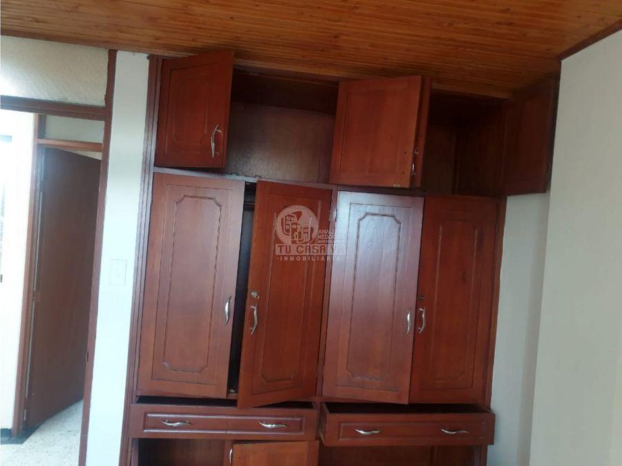 vendo casa tres niveles en corales pereira