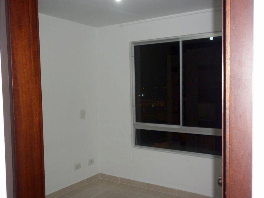1617479 vendo casa esquinera 3 niveles