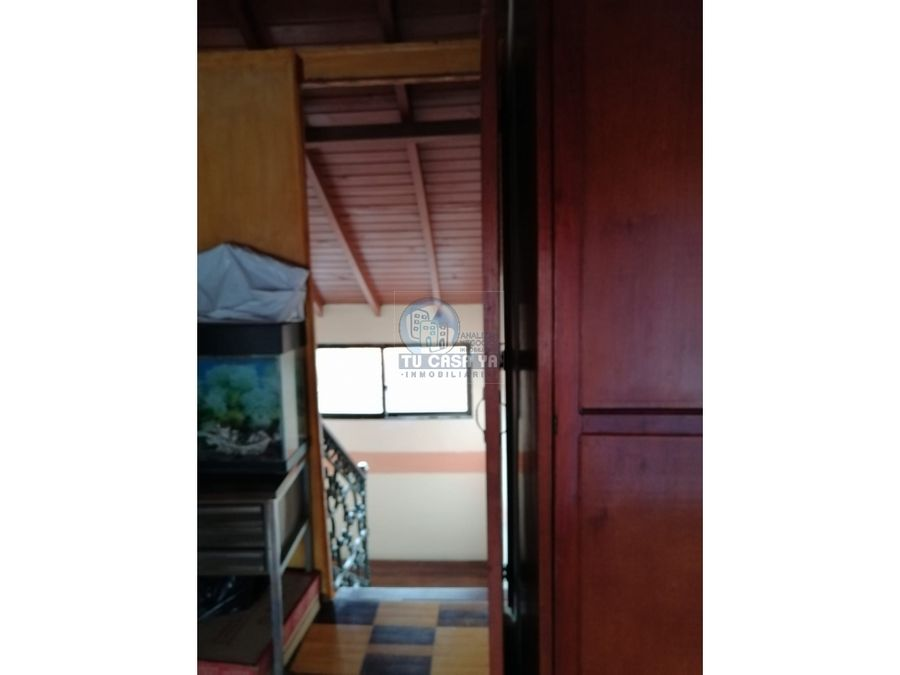 casa con amplios espacios en excelente unidad residencial