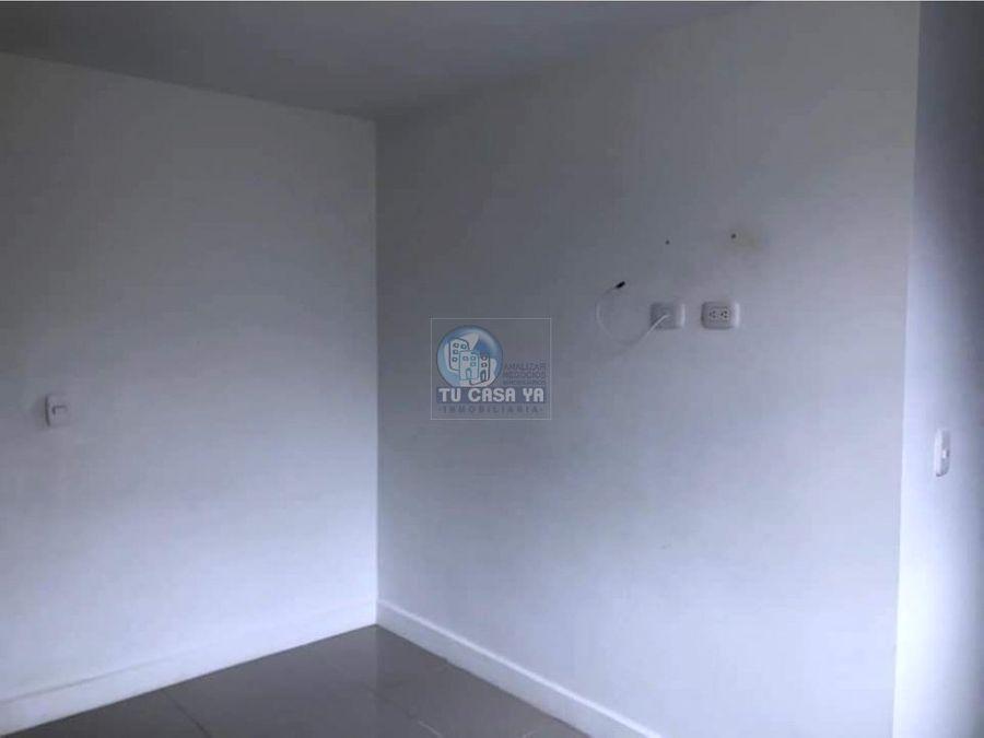 se renta apartamento en maraya