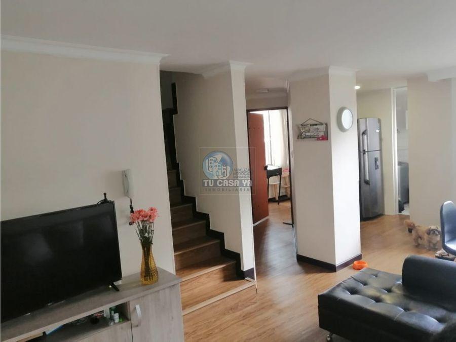 vendo apartamento de dos niveles en el centro