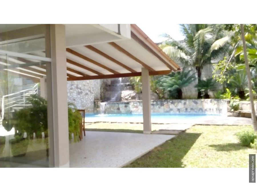 centrica y linda casa en venta