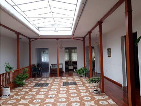 venta casa con renta centro manizales