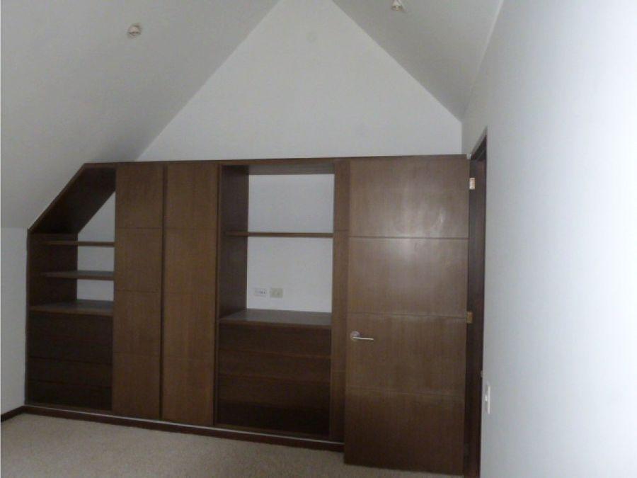 se venda hermosa casa en santana ii de chia