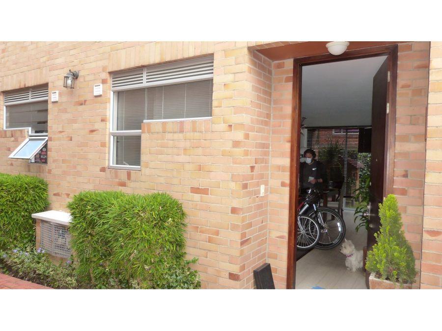 excelente casa en conjunto residencial para venta