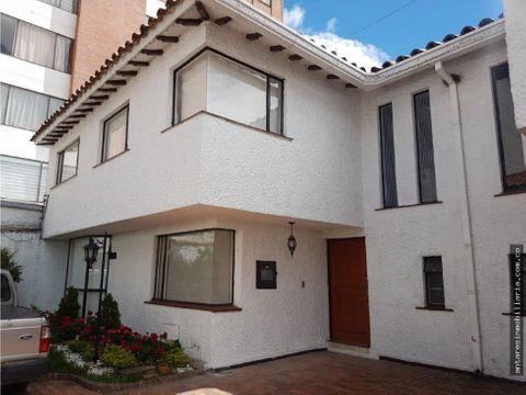 linda casa en venta en cedritos