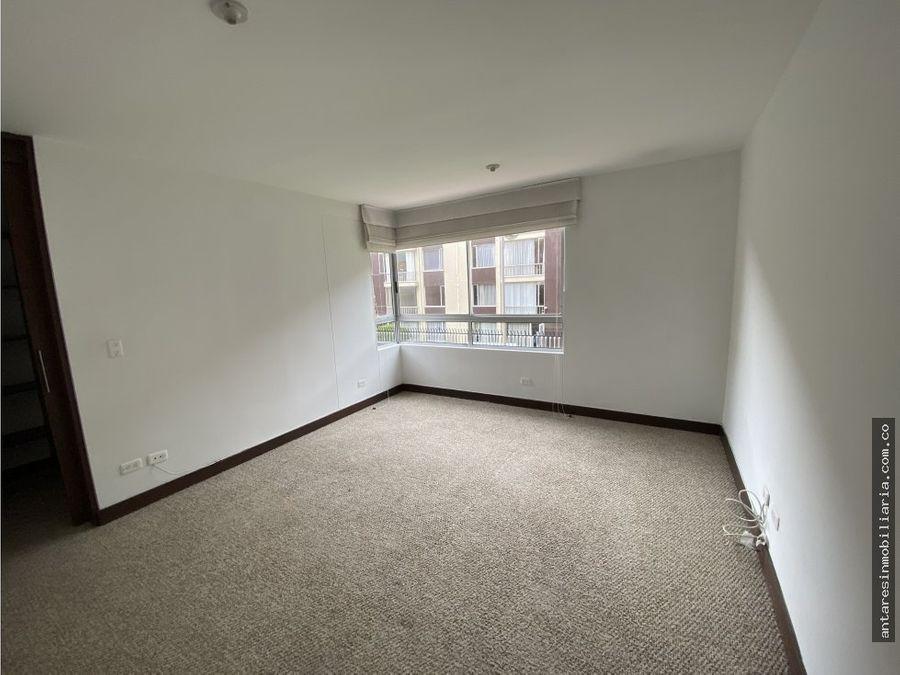 apartamento en arriendo colina campestre