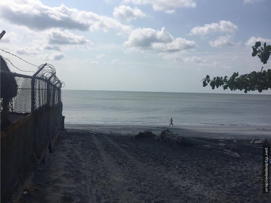 se remata terreno de playa en gorgona