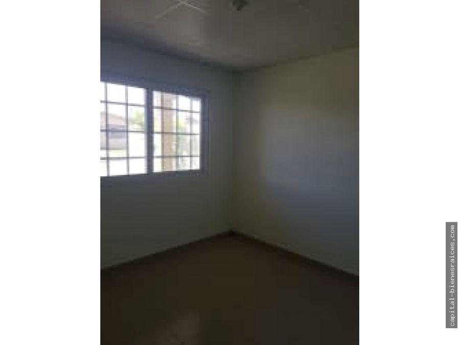 se vende casa en praderas de san lorenzo