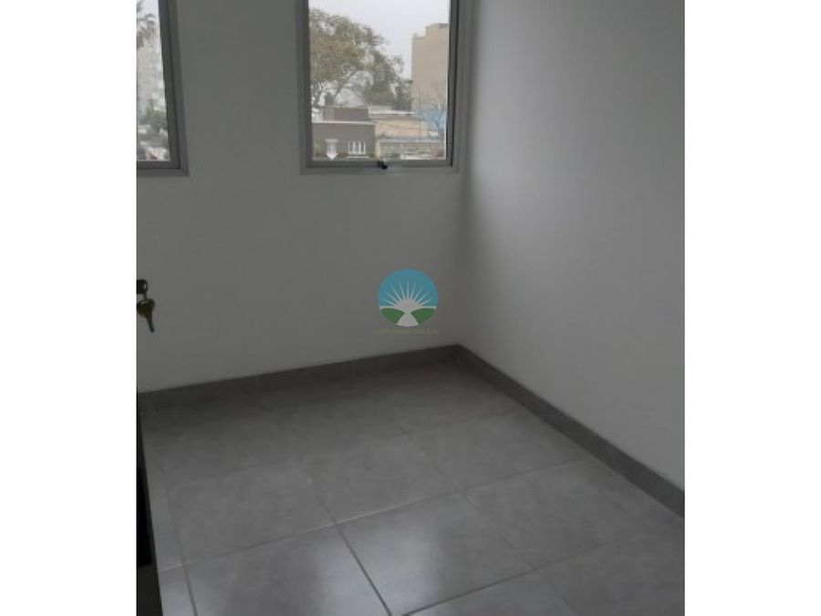 se vende acogedor flat en miraflores