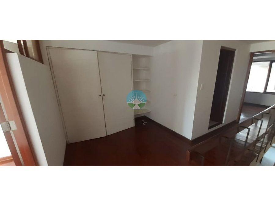 alquilo departamento duplex san isidro