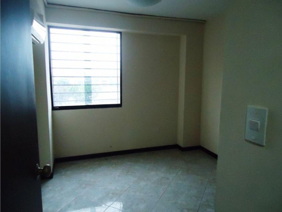 apartamento en venta res prisca plaza bqto