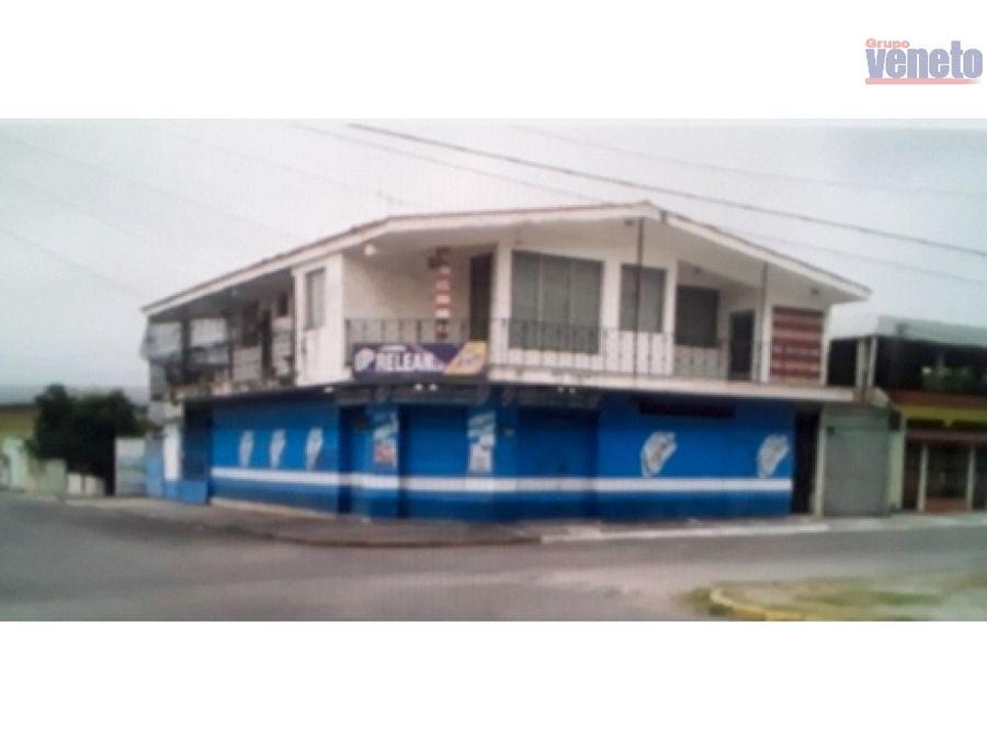casa amoblada en venta en el centro de chivacoa