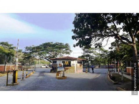 apartamento en venta en urbanizacion rio lama pb