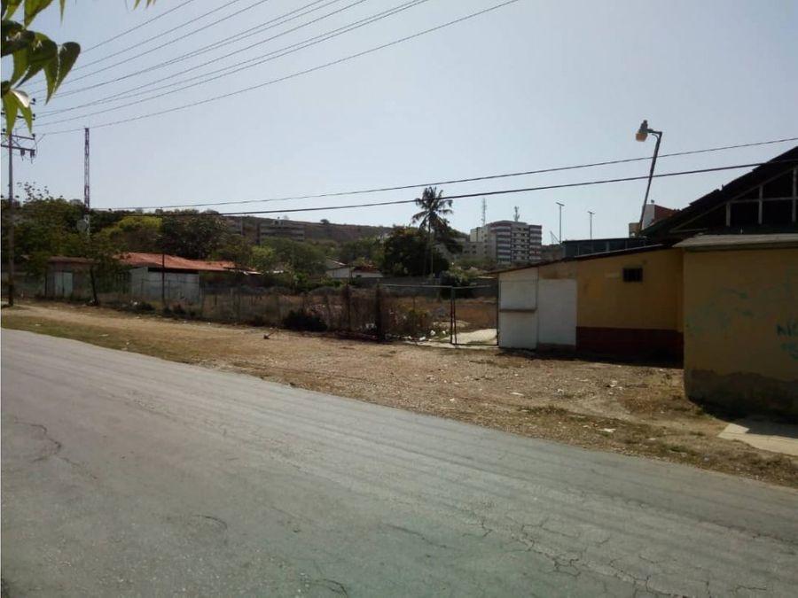 terreno frente al sambil margarita en pampatar