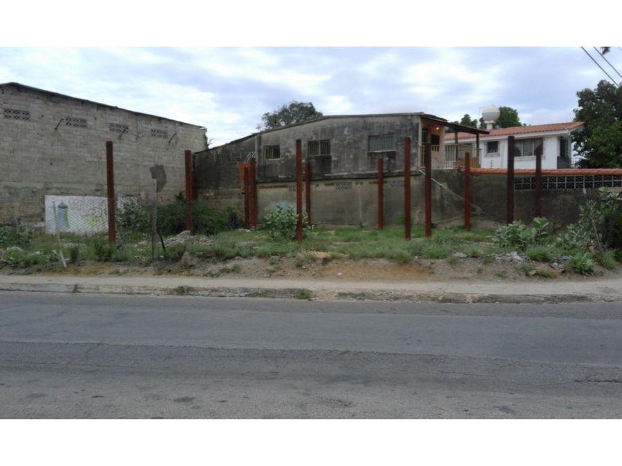 terreno calle el colegio