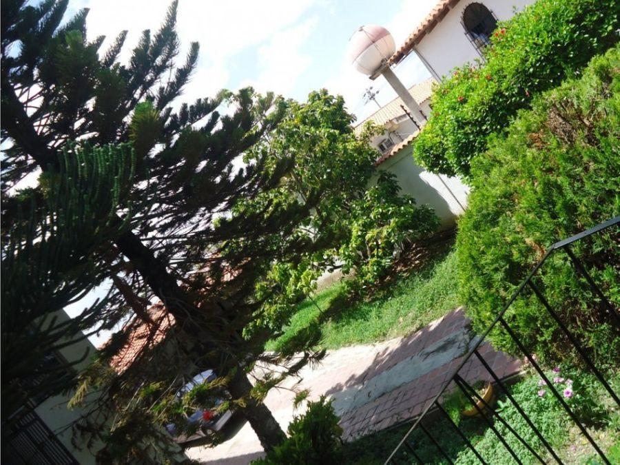 casa en venta en colinas de santa rosa