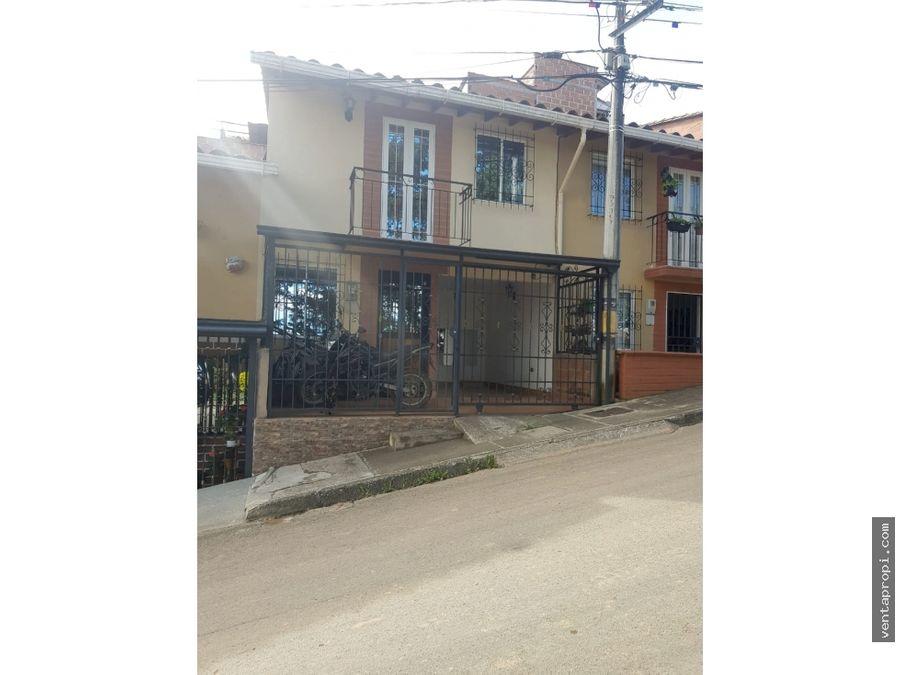 venta de casa en marinilla barrio bariloche