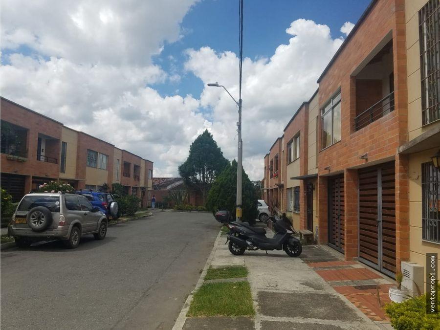 venta de casa en rionegro barrio samanes