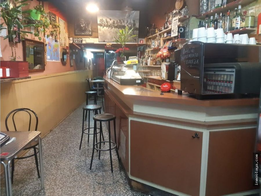 traspaso bar c1 con terraza en poble sec
