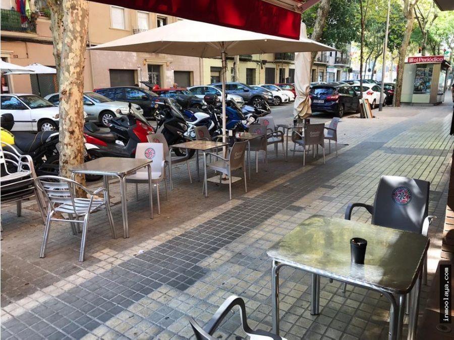 traspaso bar restaurante c3 con terraza y salida de humos en poblenou