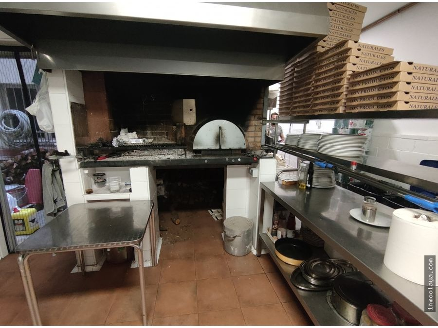 traspaso restaurante pizzeria en el camp de larpa del clot