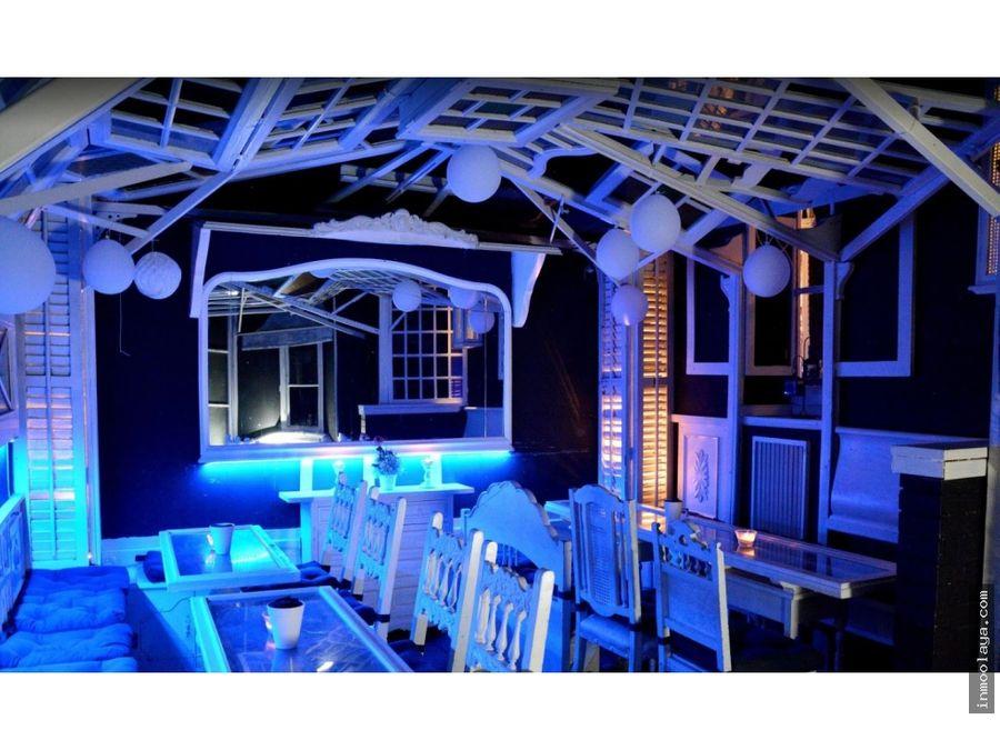 traspaso bar musical con terraza en les corts