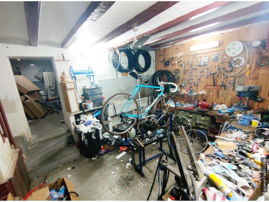 traspaso taller y venta bici con vivienda san antoni