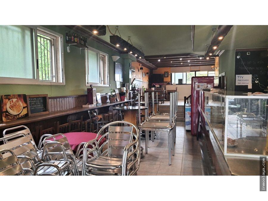 traspaso bar restaurante c3 en palau solita i plegamants con terraza