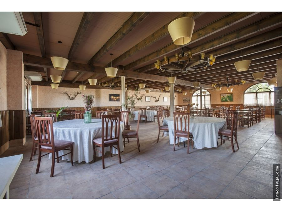 alquiler de masiarestaurante de 14000 metros en castellbisbal