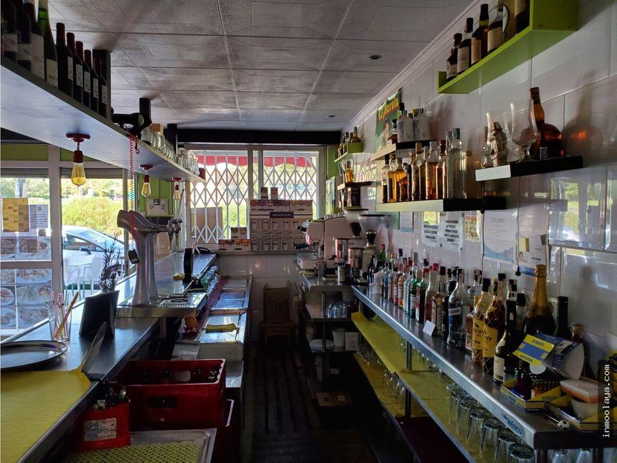 venta de bar con gran terraza en sant boi de llobregat