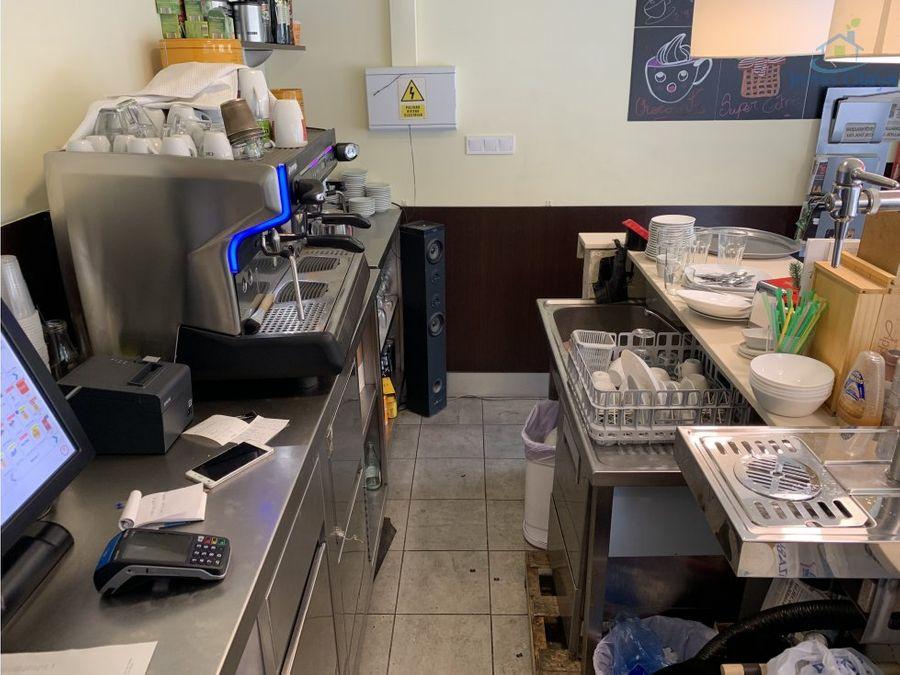 traspaso cafeteria c2 mixta esquinera les corts