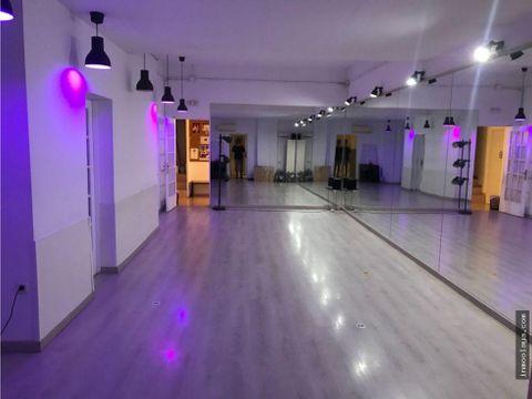 traspaso local reformado para escuela de baile en sants